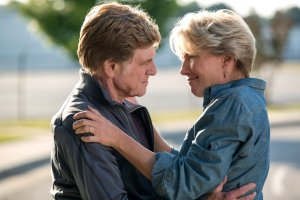 DF-04738_R (l to r) Robert Redford and Emma Thompson star as Bill and Cynthia Bryson in Broad Green Pictures upcoming release, A WALK IN THE WOODS. Credit: Frank Masi / Broad Green Pictures